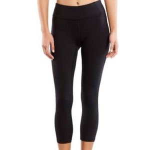 Lucy cropped legging size xl
